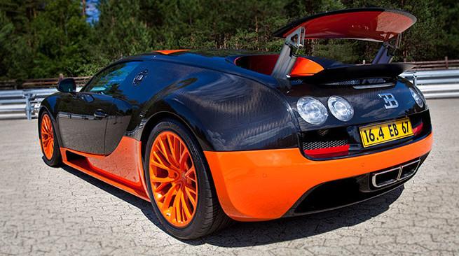 Bugatti-Veyron-Super-Sport-preto com vermelho