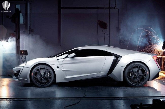 Lykan Hypersport_lateral