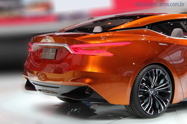 nissan-sport-sedan-concept--2014-laranjado-traseira3